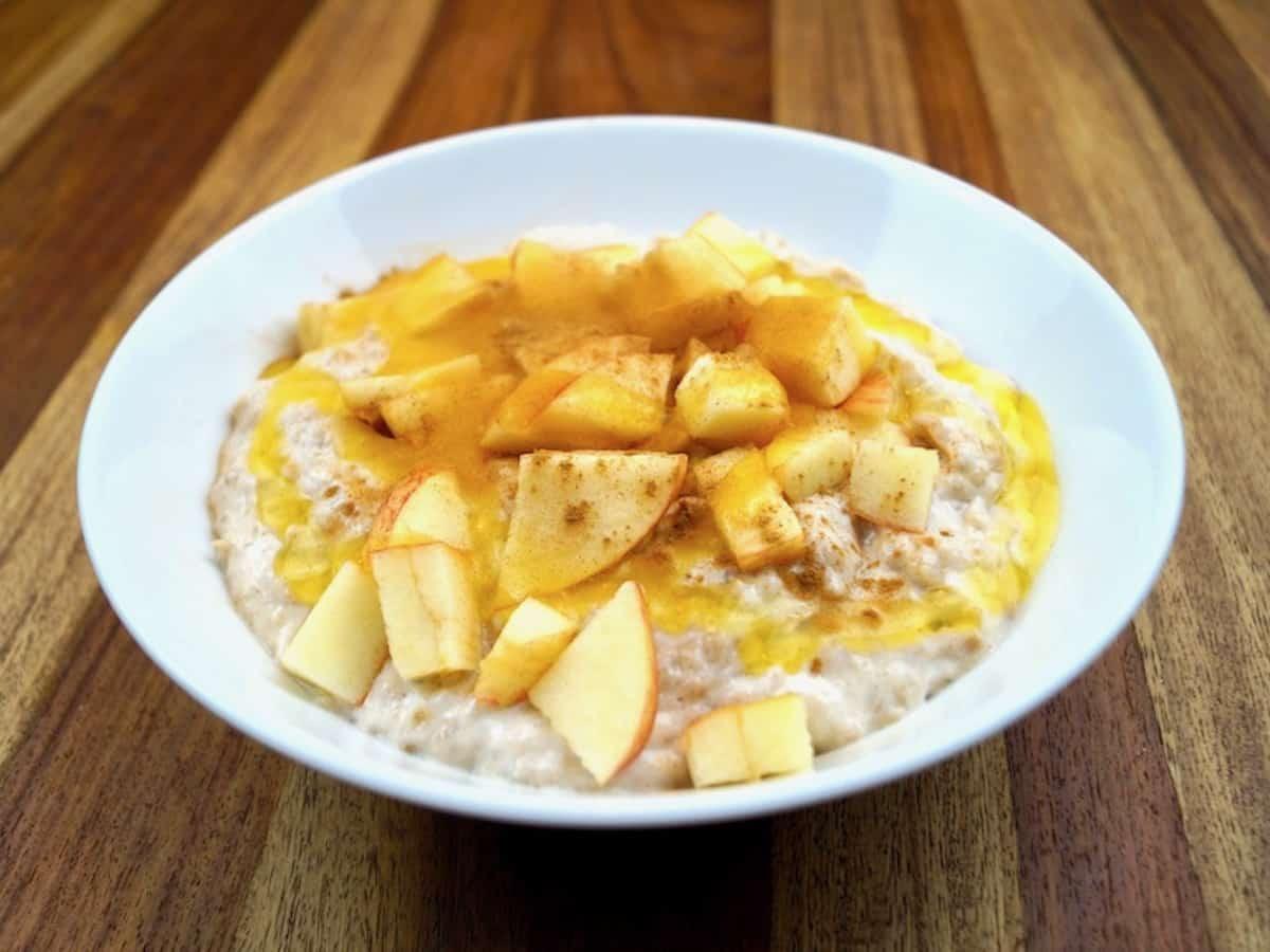 healthy apple porridge