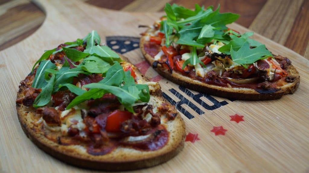healthy pizza bread